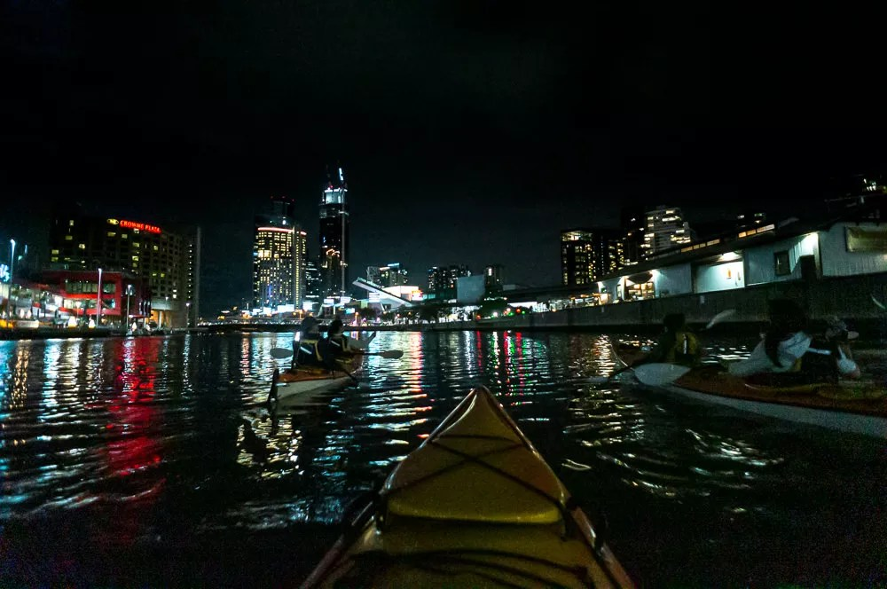 kayaking melbourne at night