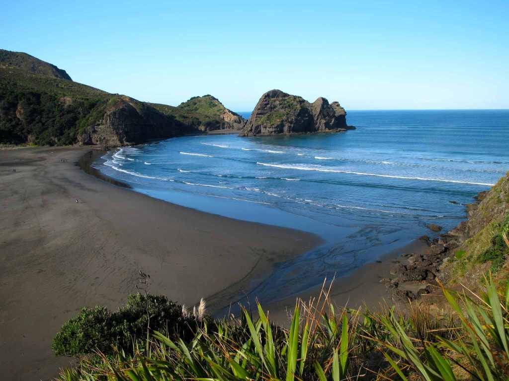 Piha Beach: Piha, New Zealand
