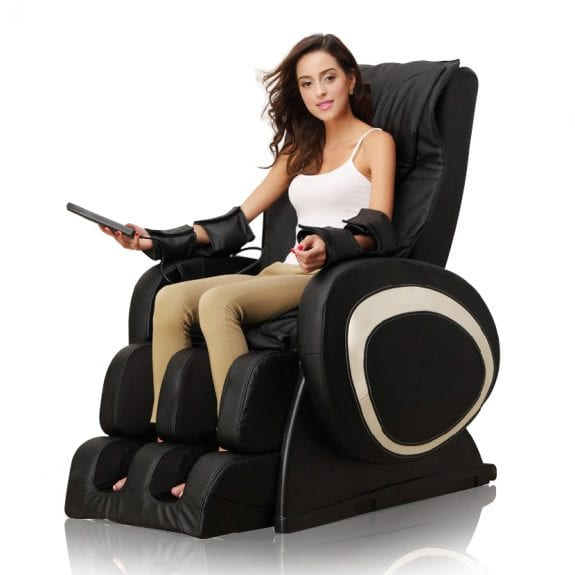 Pros and Cons: Massage therapists vs. Massage chairs