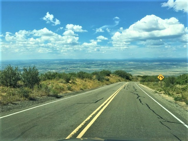 Wetherill Mesa Road is a 12-mile, winding road with sweeping views of the valleys below.