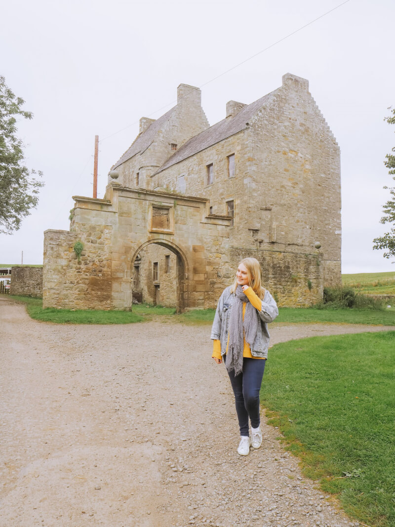 image of midhope castle in scotland