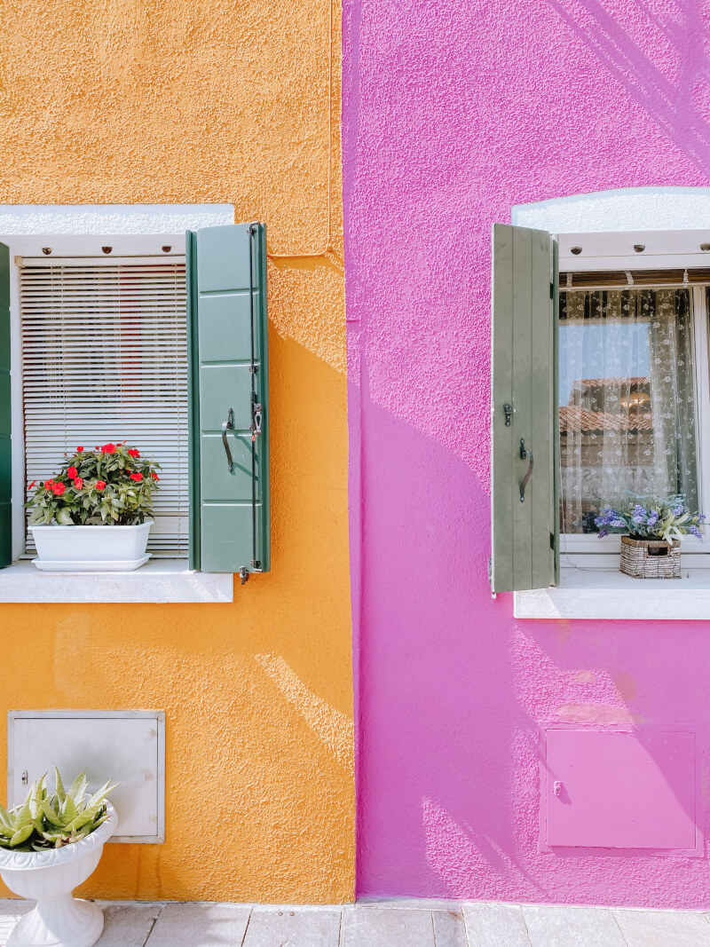 image of orange and pink house in burano, Venice