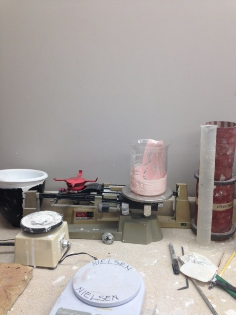mixing the rubber mold solution