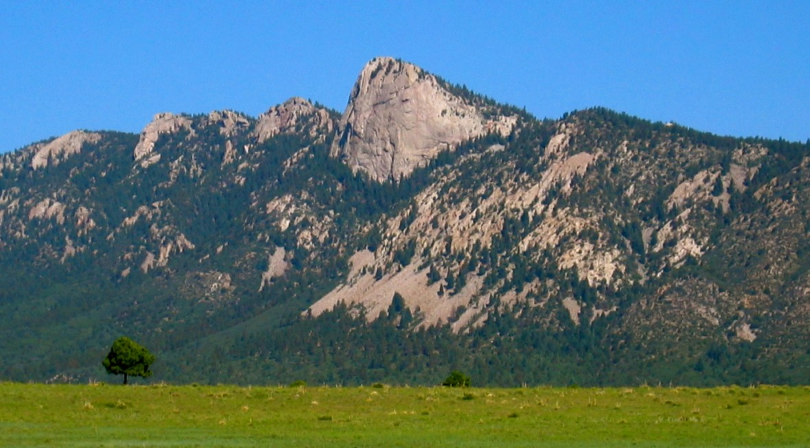 Philmont_Scout_Ranch_Tooth_of_Time_2004.jpg