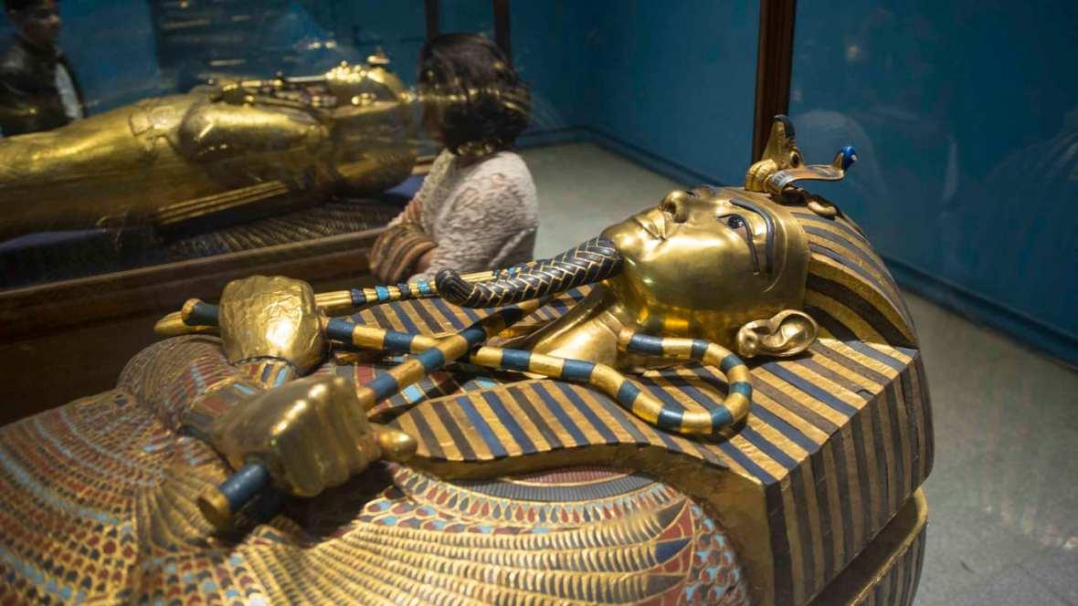 http___cdn.cnn.com_cnnnext_dam_assets_190718092830-01-tutankhamun-sarcophagus-file