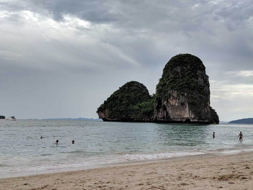 Thailand Beaches offer great views of cliffs