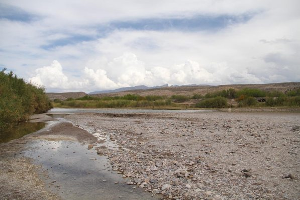 The Rio Grande, note the little shelter on the right, a mexican is watching if we buy his souvenirs