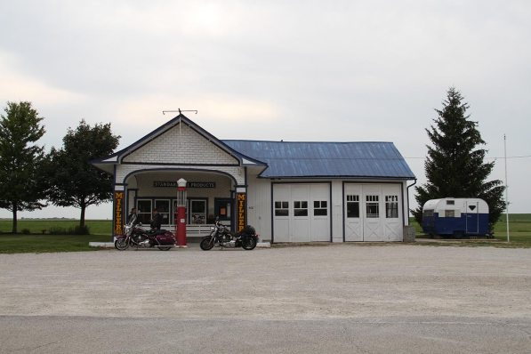 Odell's gas station (closed, restored)