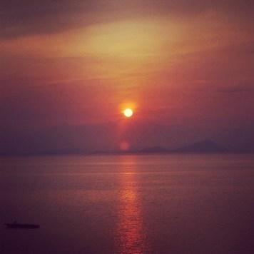 słońce zachodzi