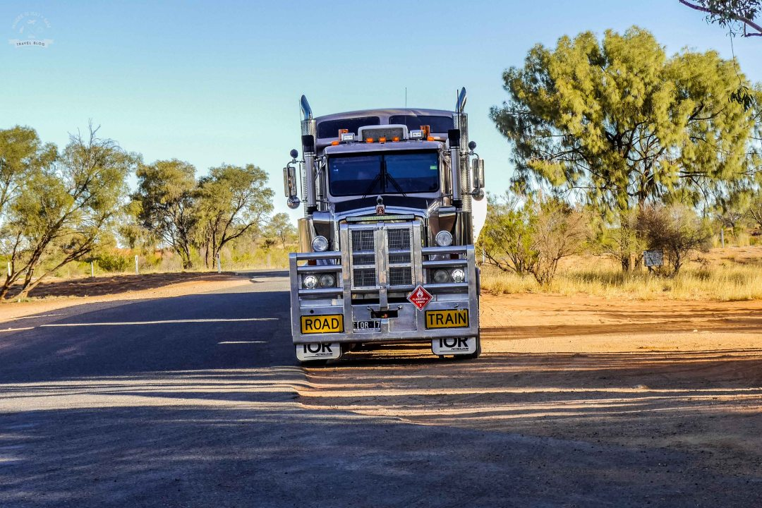 Australijski road train