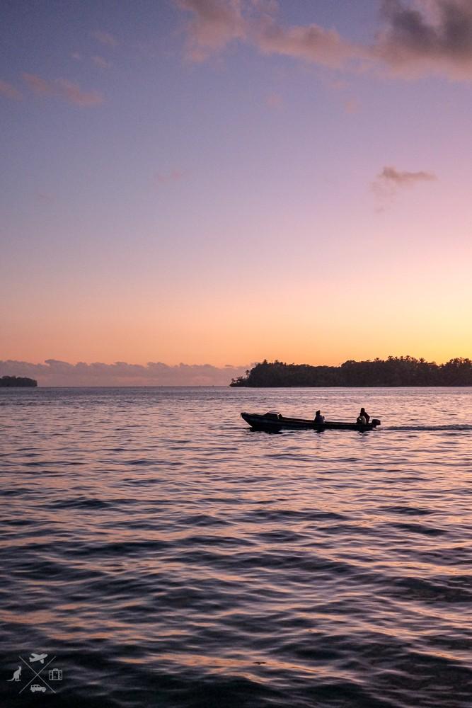Filetowe niebo podczas zachodu słońca Munda