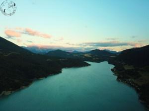 Sunset sur le lac de Monteynard, spot de kitesurf en France
