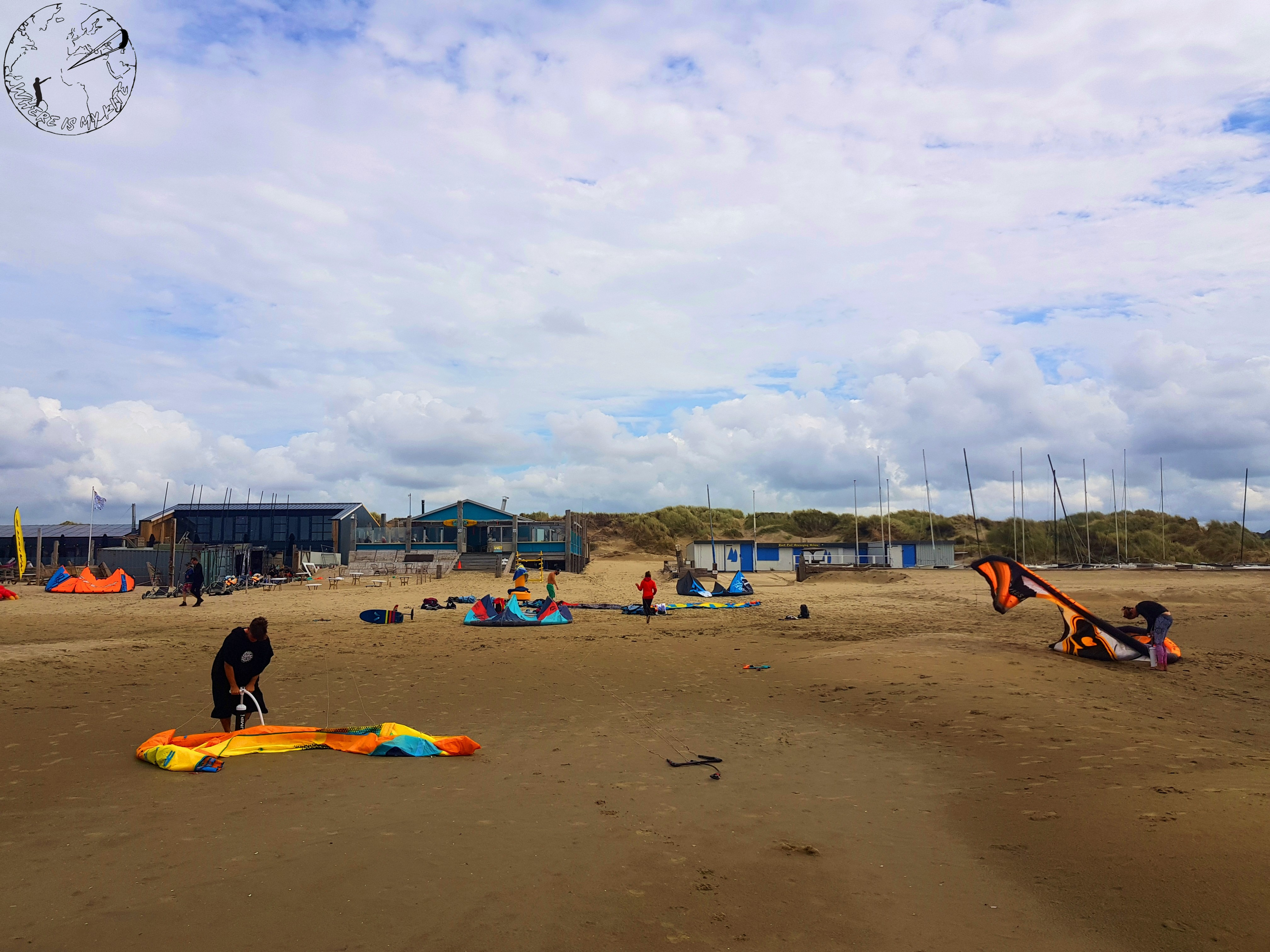 Spot de kitesurf en Hollande, vantrip avec la kite family, zone du restaurant