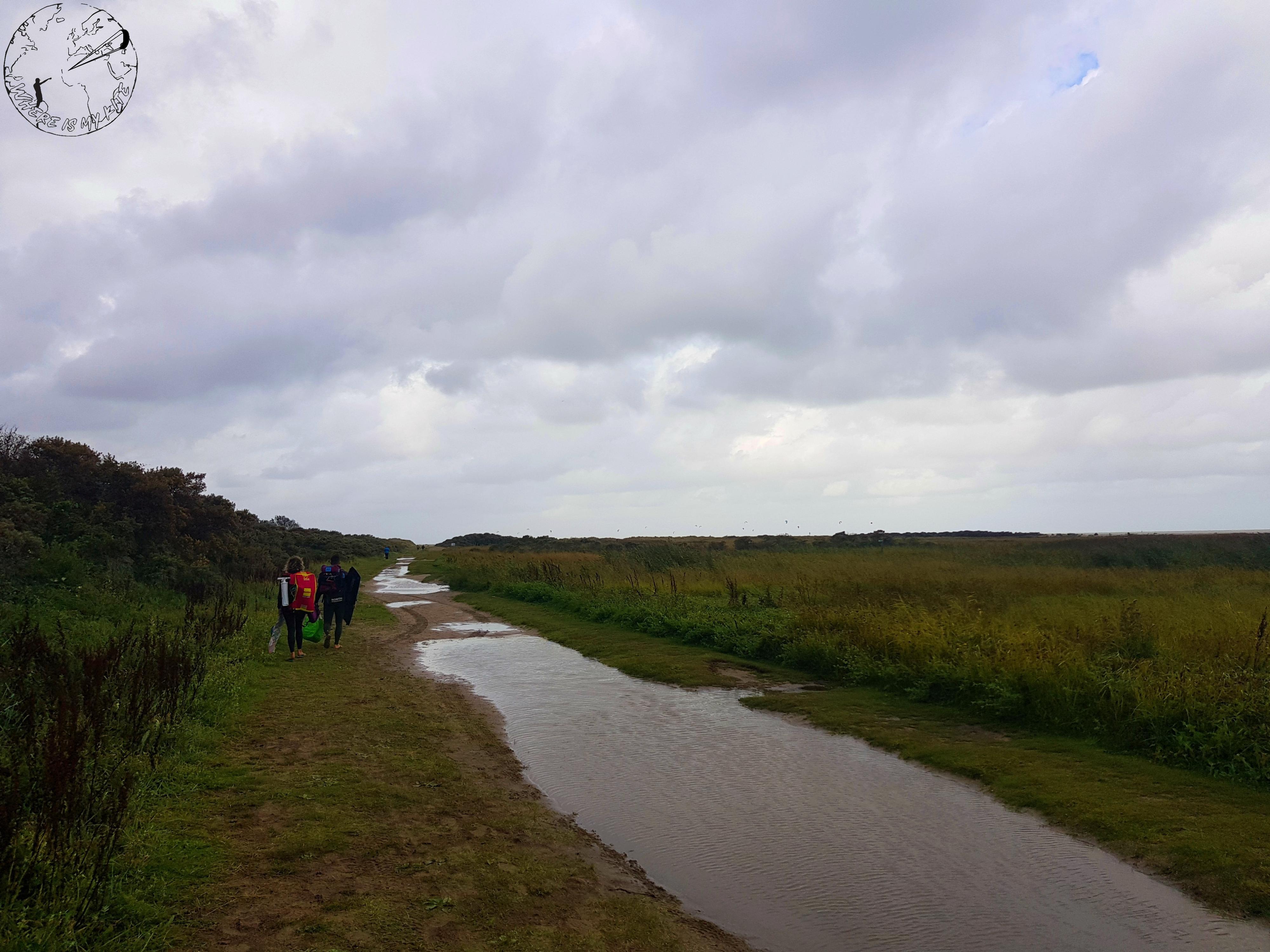 Spot de kitesurf en Hollande, Ostvoorne, kite trip en van, accès par la réserve naturelle
