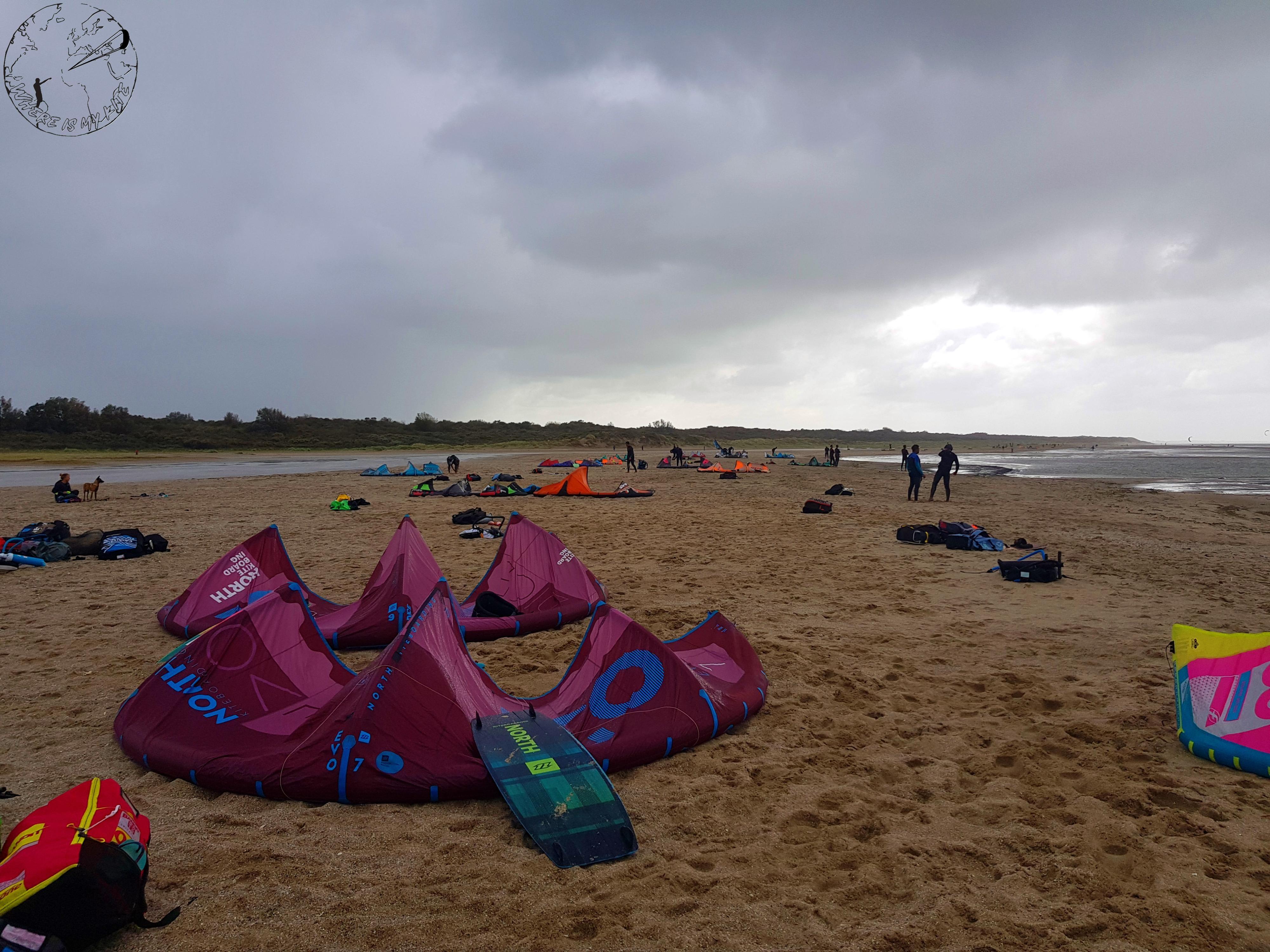 Spot de kitesurf en Hollande, Ostvoorne, kite trip en van, stockage des ailes