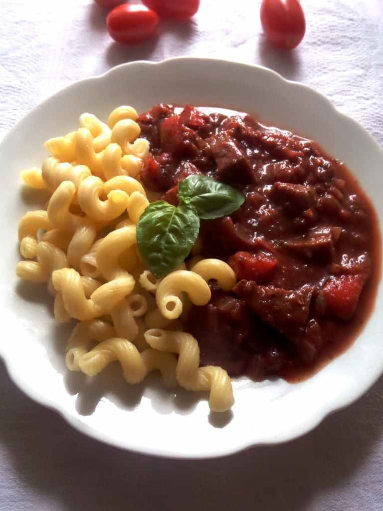 seitan gulash 768x1024 Seitan In Red Wine Sauce