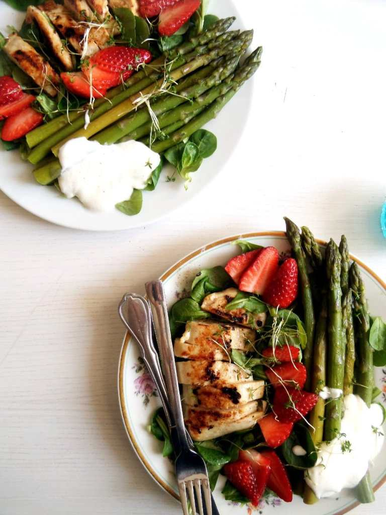 spring salad with asparagus 768x1024 Spring Salad with Asparagus, Chicken and Strawberries