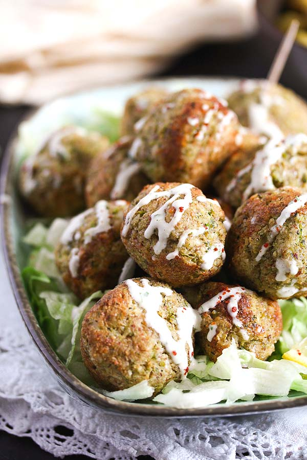 broccoli cauliflower balls 3 Baked Broccoli and Cauliflower Balls with Cheese