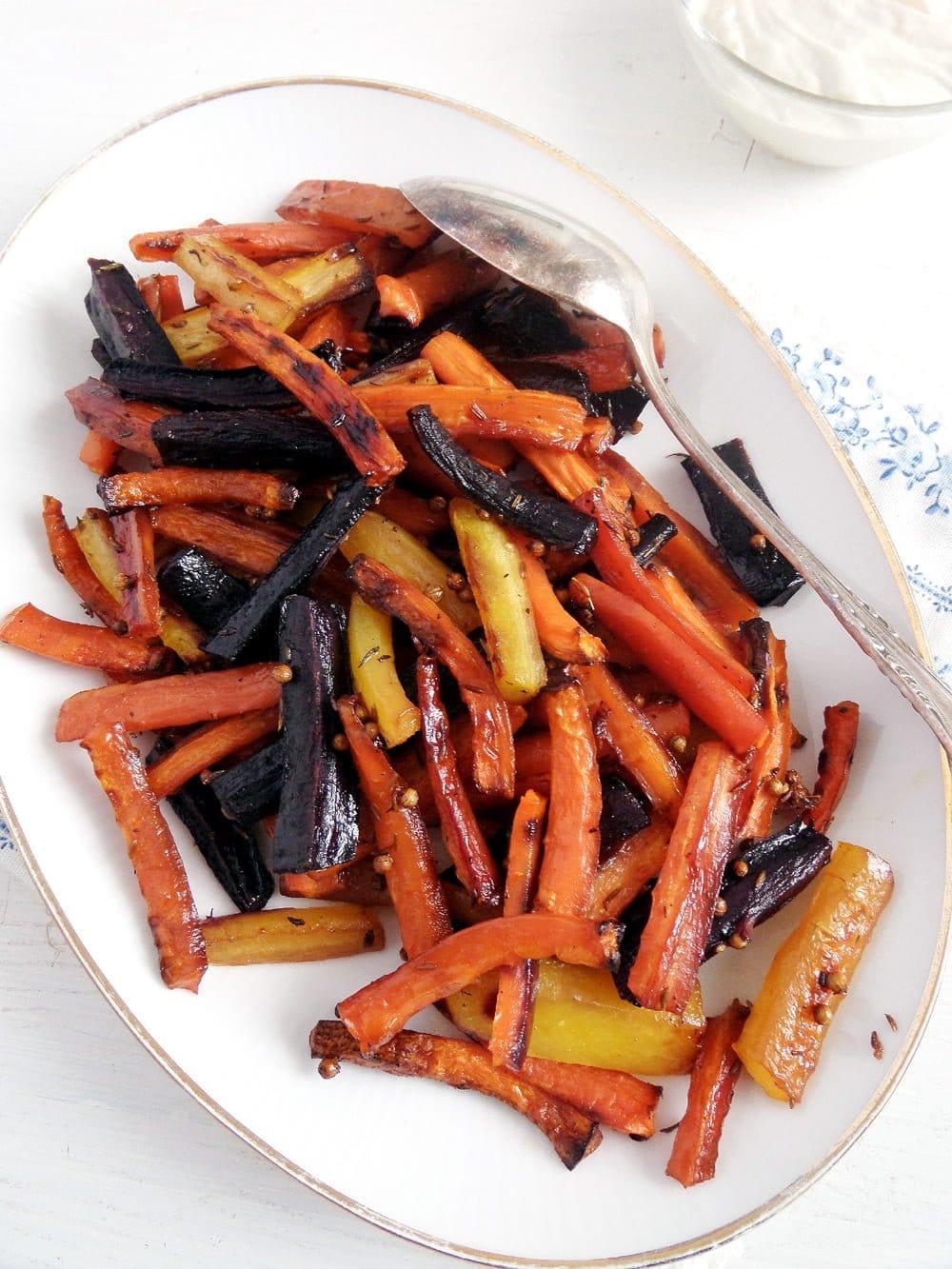 carrots glazed Honey Glazed Carrots With Tahini Greek Yogurt Dip