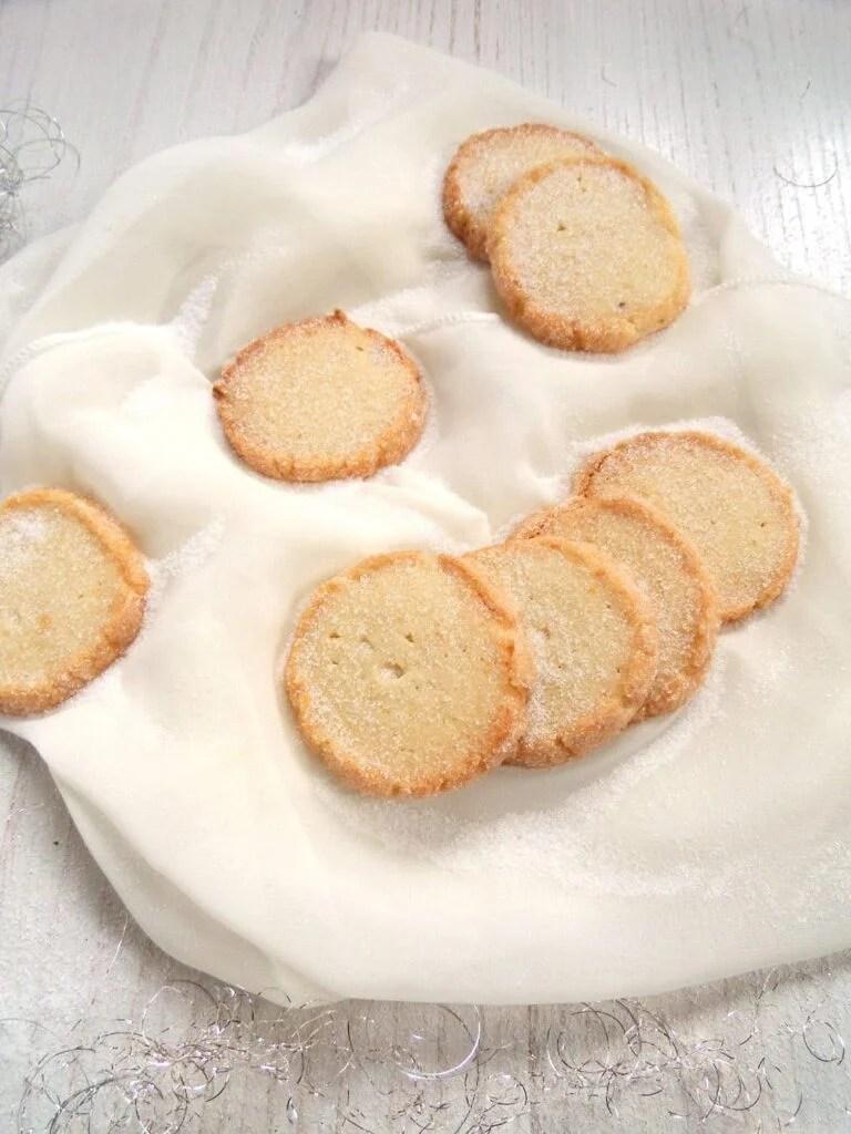 heidesand pl%C3%A4tzchen 768x1024 Heidesand   German Sugar Rolled Marzipan Butter Cookies