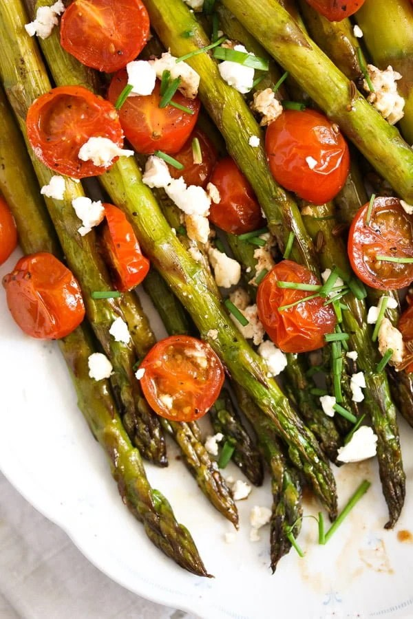 roasted spargel 3 Roasted Asparagus Recipe with Tomatoes and Feta