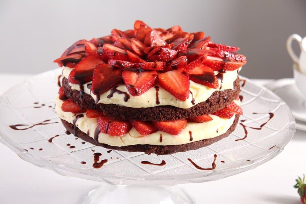 Brownie Strawberry Cake