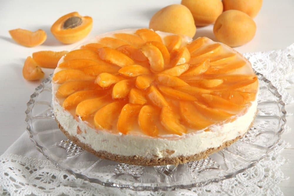White Chocolate Apricot Cheesecake