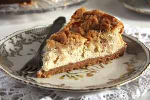 %name apple cheesecake streusel