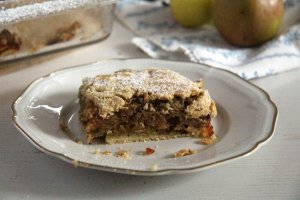 %name apple hazelnuts cake