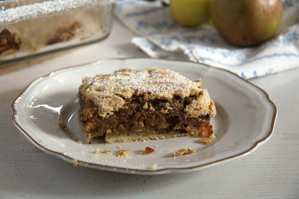 Apple Hazelnut Pie