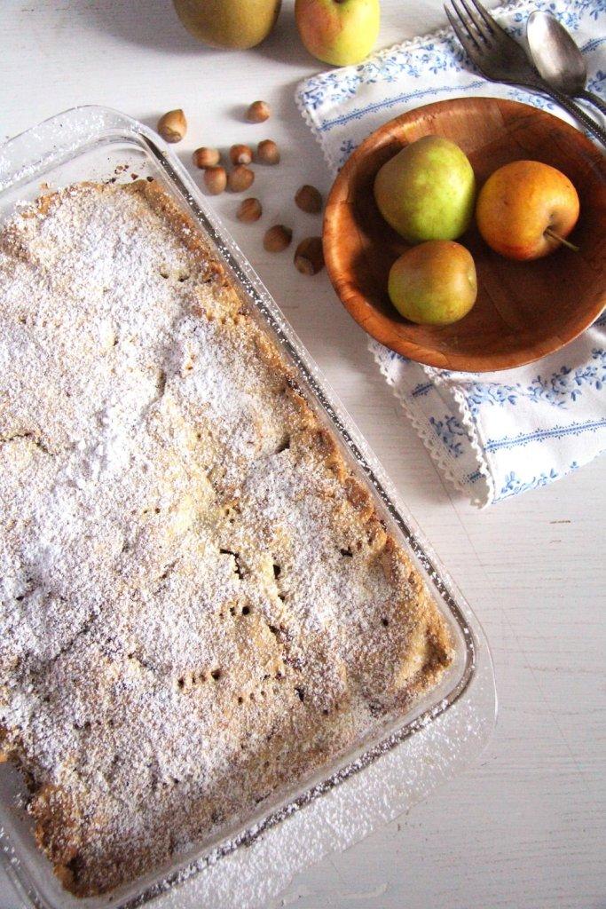 apple hazelnuts 683x1024 Flaky Apple Hazelnut Pie with Cinnamon