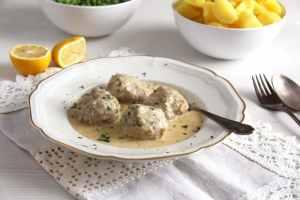 königsberger klopse 300x200 Turkey Meatballs Cauliflower Casserole with White Sauce