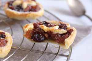 %name mince pies raisins