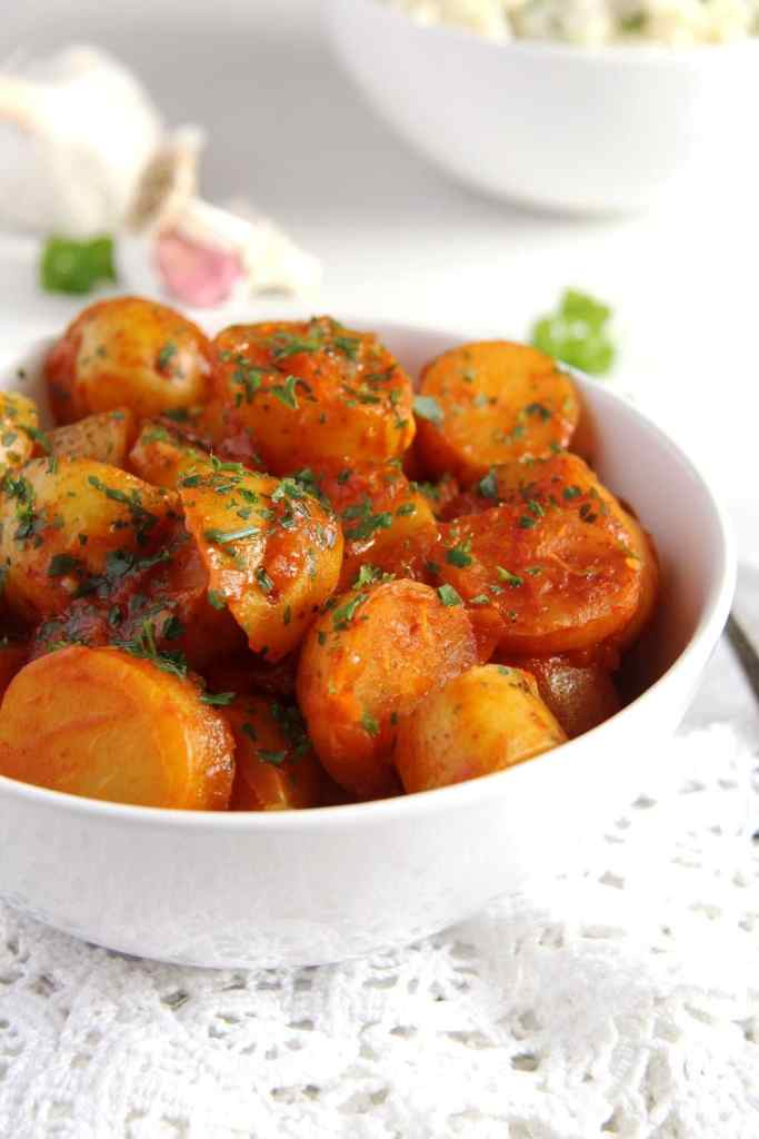 new potatoes parsley 683x1024 Simple New Potatoes in Tomato Sauce   Vegan Recipe