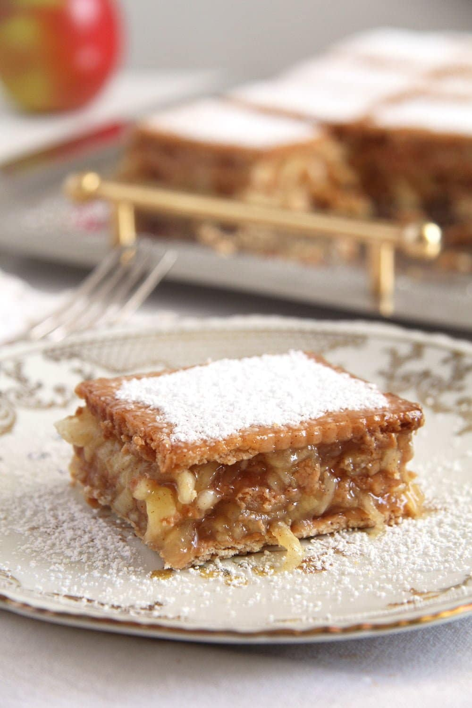 vegan biscuit apple Biscuit Apple Cake