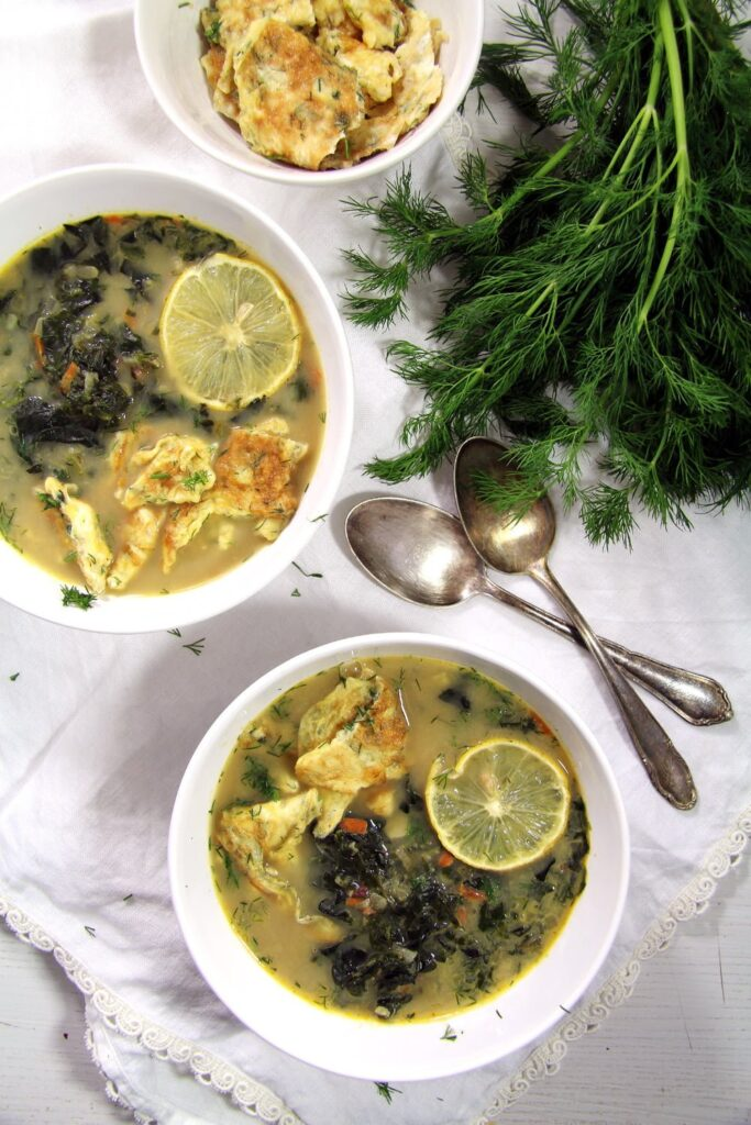 spinach soup eggs 683x1024 Delicious Romanian Spinach Dill Soup with Omelet