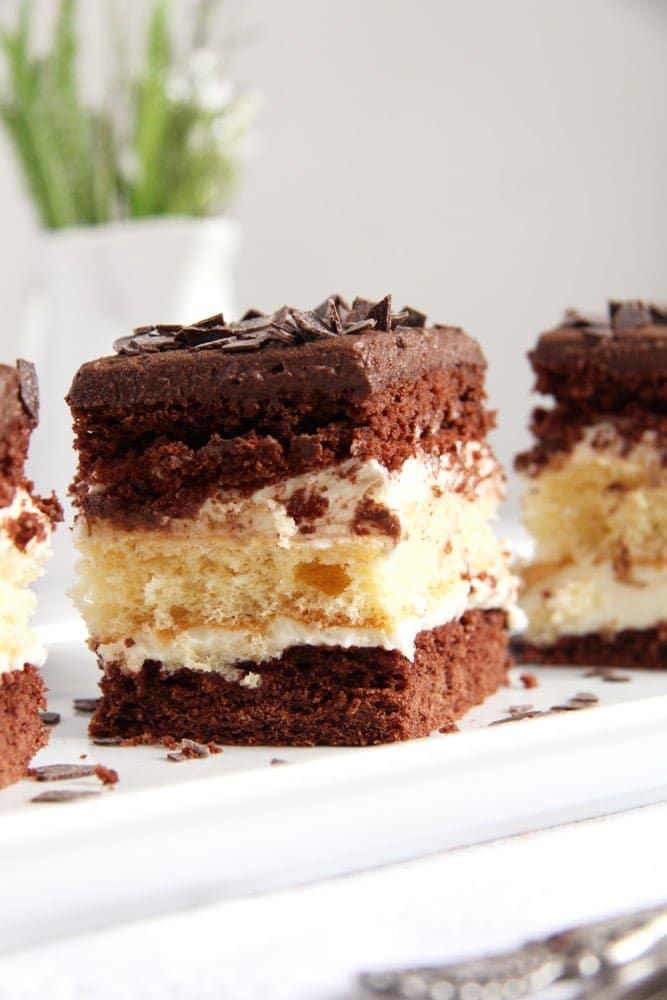 layer cake chocolate Vanilla Chocolate Layer Cake with Ganache   Prajitura Televizor