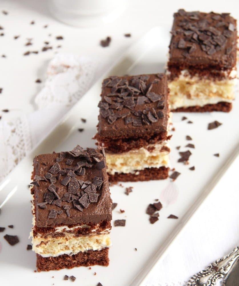 layer cake vanilla Vanilla Chocolate Layer Cake with Ganache   Prajitura Televizor