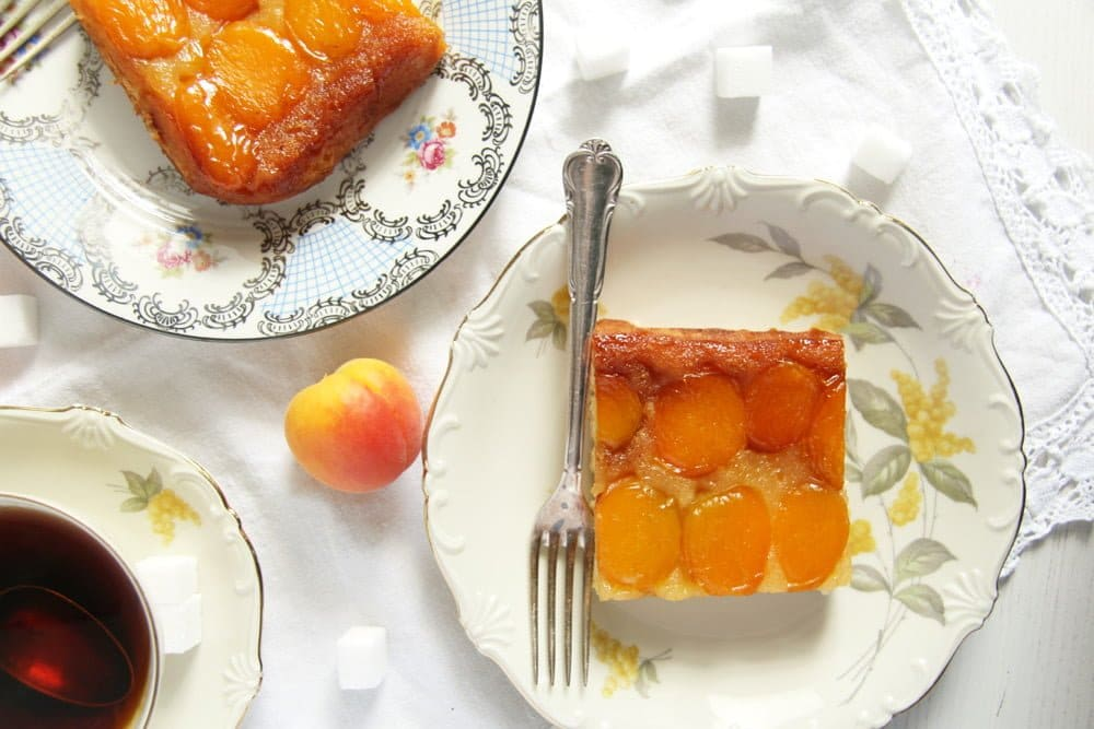 easy apricot cake romanian The Easiest Fresh Apricot Cake   Romanian Cake