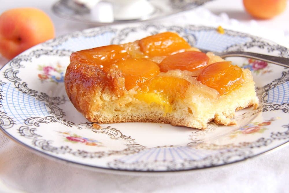 The Easiest Fresh Apricot Cake with Caramel - Romanian Cake