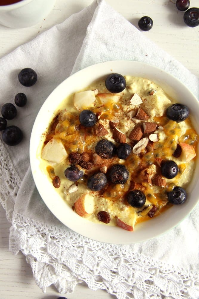 turmeric muesli blueberries Muesli with Yogurt, Berries and Turmeric Paste