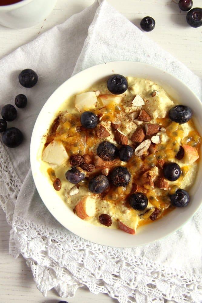 turmeric muesli blueberries Muesli with Yogurt, Berries and Turmeric Paste