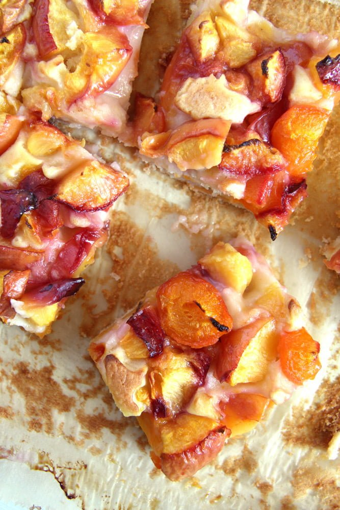 nectarine cake fruit cake Easy Nectarine Sour Cream Cake   Romanian Cake Recipe