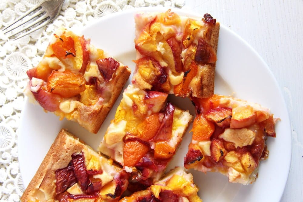 nectarine cake quick Easy Nectarine Sour Cream Cake   Romanian Cake Recipe