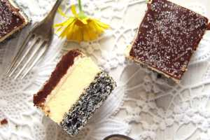 %name Vanilla Poppy Seed Cake with Chocolate Glaze – Romanian Tosca Cake