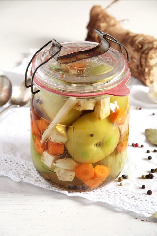 green tomatoes pickled Green (Unripe) Tomato Pickles – Romanian Recipe