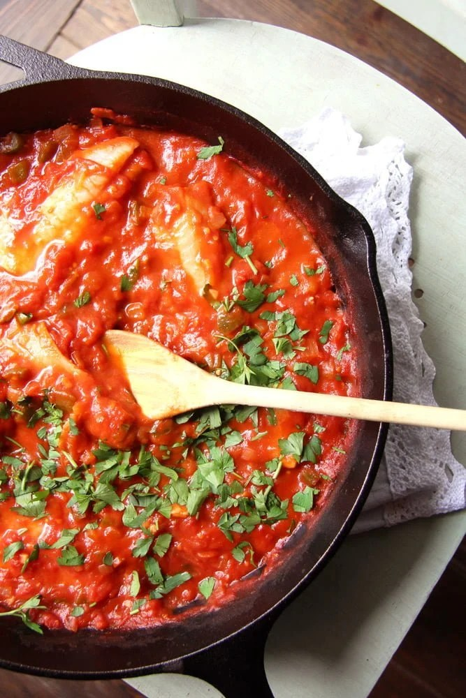 fish tomato parsley Easy Skillet White Fish Fillet in Tomato Sauce