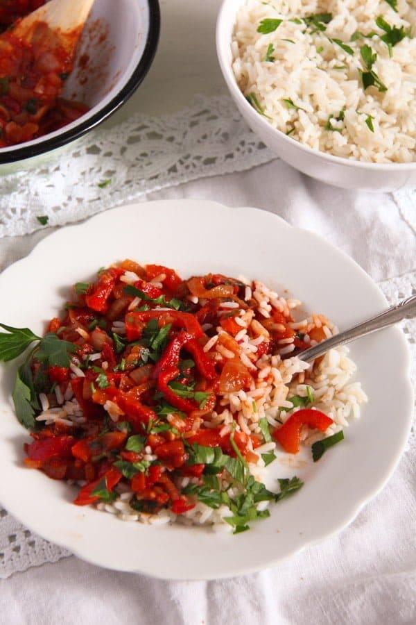 Hungarian Lecso edited 5 Hungarian Pepper and Tomato Stew – Vegan Lecso Recipe