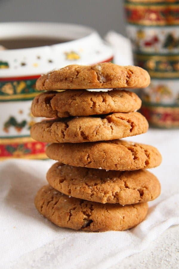 gingersnaps ed 3 Easy and Crispy Ginger Cookies with Candied Ginger