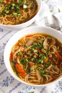 %name Quick and Spicy Mushroom Egg Noodle Soup